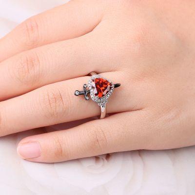 Herzförmiger Ring