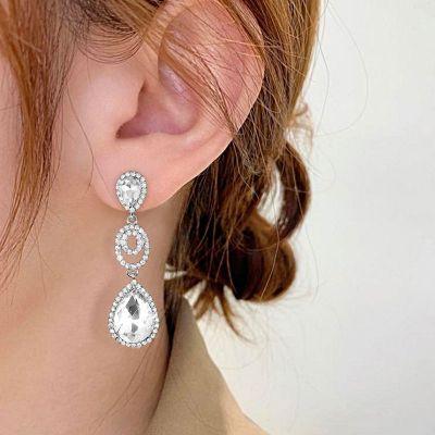 Modische Ohrringe