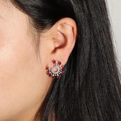 Rund geschnittene Ohrringe