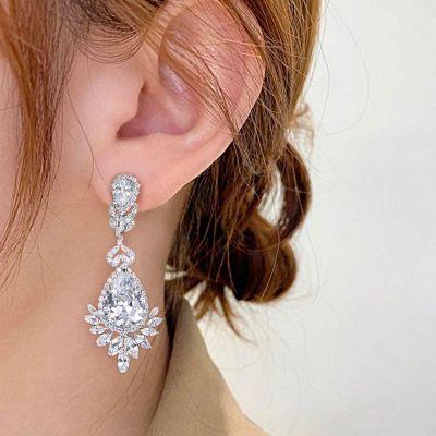Blumenförmige Ohrringe