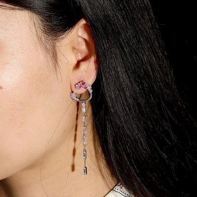 Weiße und Rosa Ohrringe