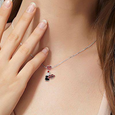 Rote Lippenstift Halskette